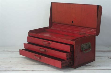 vintage toolbox snap   drawer top box vintage red tool