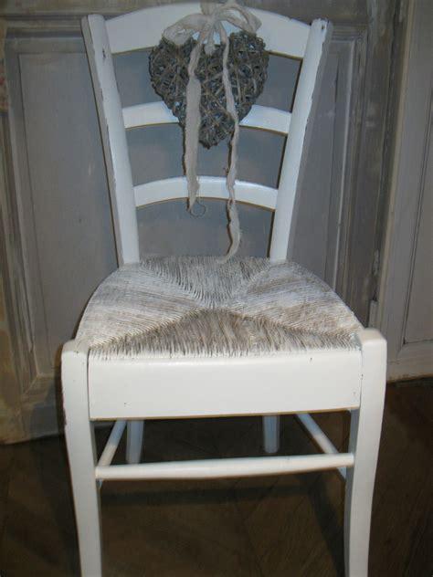 relooker chaise en paille relooker chaise en paille repeindre des chaises en bois