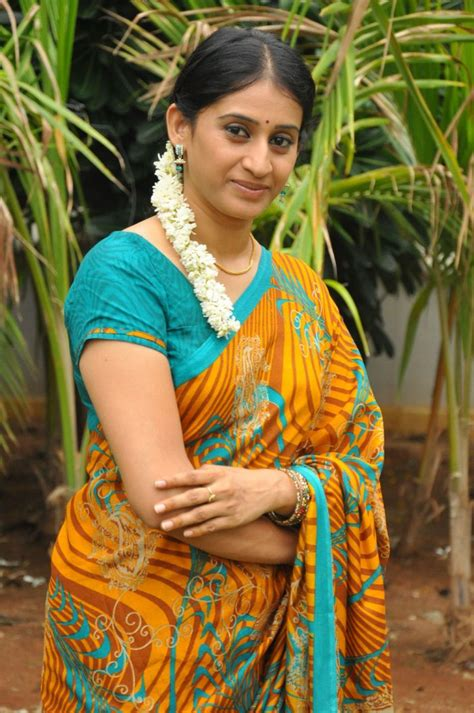 tamil actress jyothi meena photos telugu tv serial actress meena cute saree stills