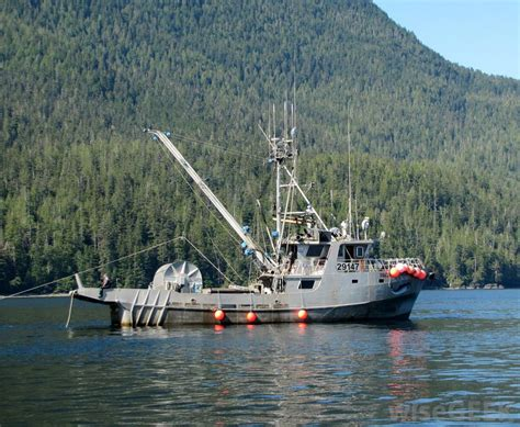 Alaskan Fishing Boat Captain by What Does A Boat Captain Do With Pictures