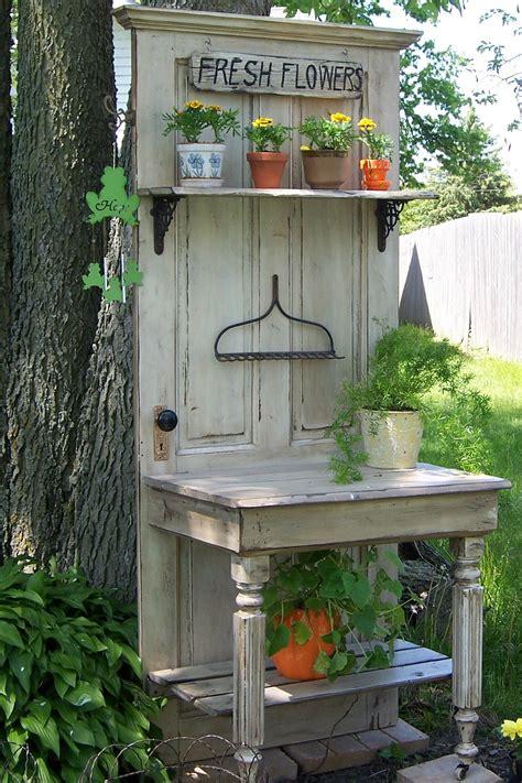creative diy project ideas    reuse  doors homelovr