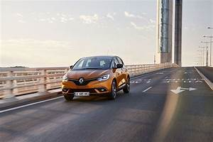 Renault Retail Groupe : caracter sticas del modelo renault scenic ~ Gottalentnigeria.com Avis de Voitures