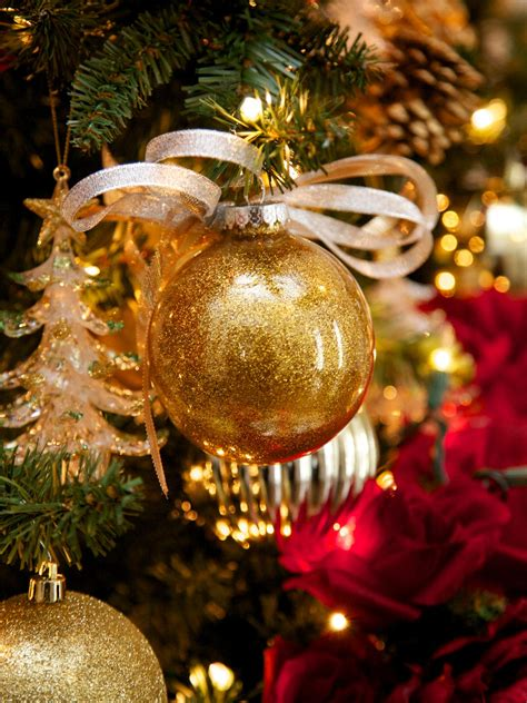 decorating with christmas balls make glitter glass ball ornaments hgtv