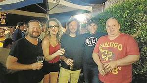 Singers, pickers and grinners | The Northern Daily Leader