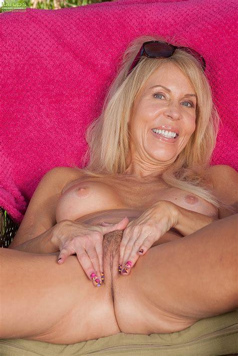 Horny Milf Erica Lauren Strips At The Backyard Milf Fox