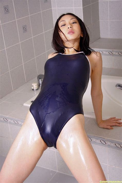 black one swimsuit japanese gravure idol yurino sato in a navy blue one