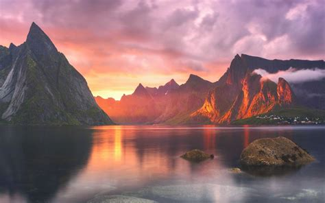 Wallpaper Macbook Pro by Here Are All Of Os X Yosemite S Beautiful New Wallpapers