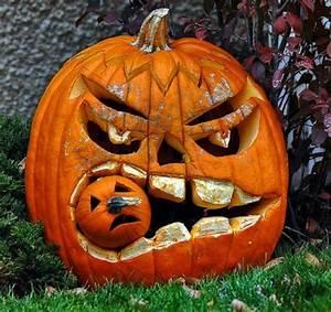 Halloween Kürbis Bemalen : helloween k rbisgesichter f r eine f rchtende atmosph re halloween pinterest halloween ~ Eleganceandgraceweddings.com Haus und Dekorationen