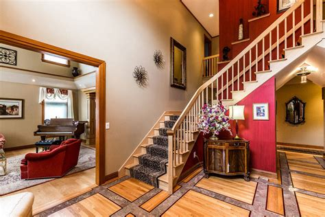 Luxury custom designed home- over 11 stunning acres with ...