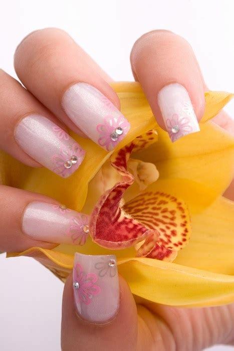 rosa gelnaegel mit glitzer nail artnet