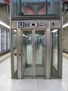 Aufzug Kosten Mehrfamilienhaus : file aufzug wikimedia commons ~ Michelbontemps.com Haus und Dekorationen