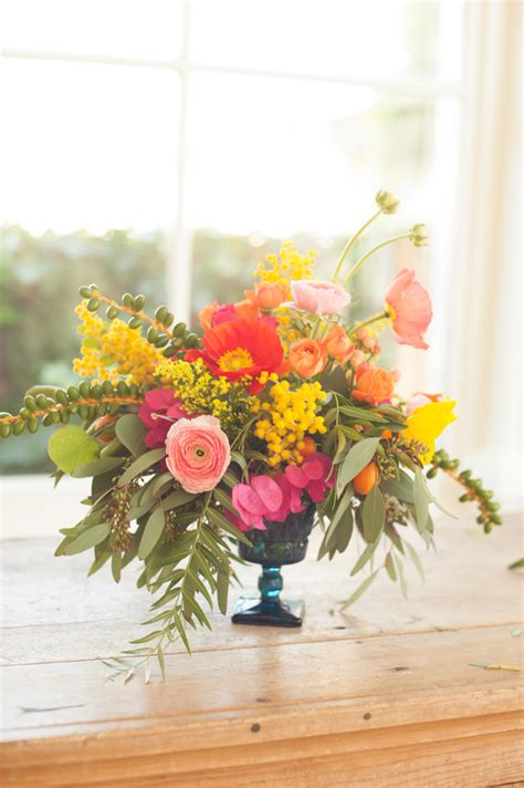 Pretty And Cheap Diy Flower Arrangements That Anyone Can Make