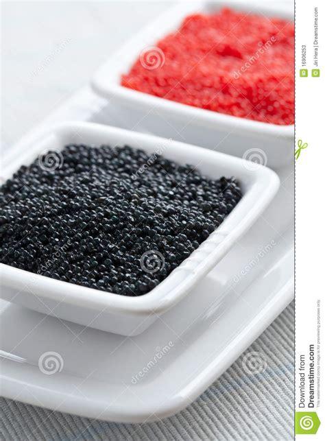 sch und schmalöer roter und schwarzer kaviar in der sch 252 ssel stockbild bild gastst 228 tte sch 252 ssel 16906253
