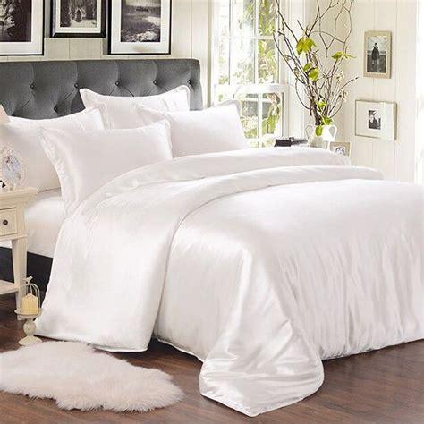 silk comforter sets best 20 silk bedding ideas on 2220