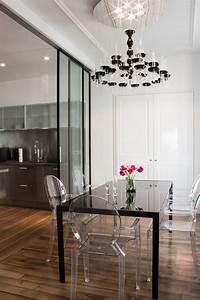 Les 25 meilleures idees de la categorie lustres de salle a for Deco cuisine avec modeles de chaises pour salle a manger