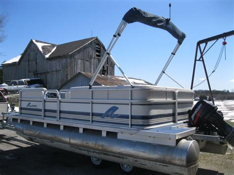 Manitou Pontoon Boat Mooring Cover by 2001 Manitou 18 Pontoon Boat W 25hp Mercury Seats 10