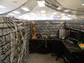 dungeon halloween office cube decorations pinterest