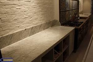 Plan De Travail Marbre Noir : plan de travail en marbre blanc granitset ~ Dailycaller-alerts.com Idées de Décoration