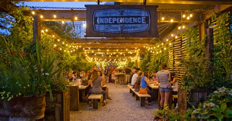 beer gardens philadelphia visitphilly