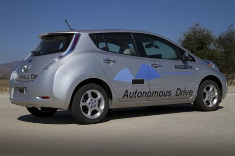 Nissan Driverless Car 2020 by Forget Nissan Is The Driverless Car Leader