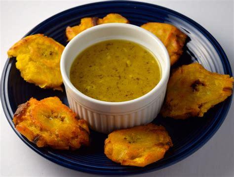 tostones fried plantains  mojo garlic sauce