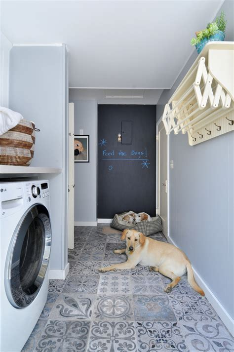 splashy wall mounted drying rack in laundry room
