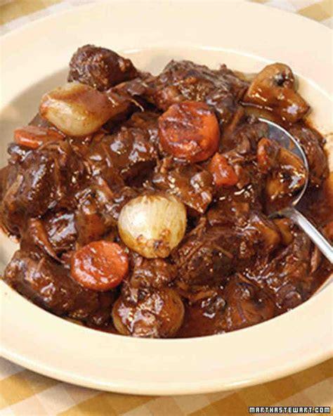 cuisine boeuf bourguignon beef bourguignonne recipe martha stewart