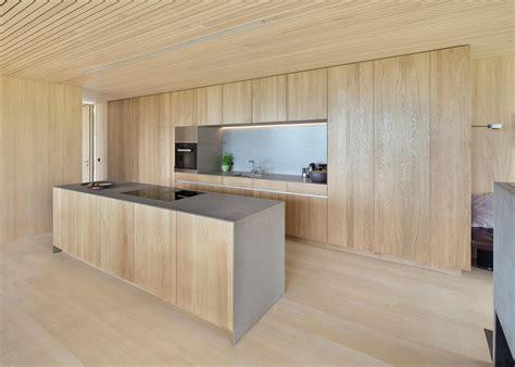 Kucheninsel Holz schlichte holz k 252 che mit kochinsel in modernem design