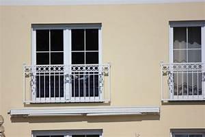 Balkongelander schmiedeeisen balkongelander direkt for Französischer balkon mit gartenzaun schmiedeeisen preise