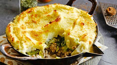 cyril lignac cuisine recette du hachis parmentier aux poireaux