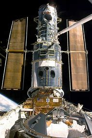 Space Shuttle Discovery Hubble Telescope