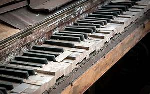 old piano keys keyboards - Background Wallpapers for your ...