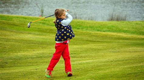 junior golf  sandhurst club melbourne kids golf lessons