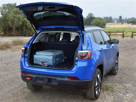 jeep compass 2017 trunk space ratings and review 2017 jeep compass trailhawk ny daily