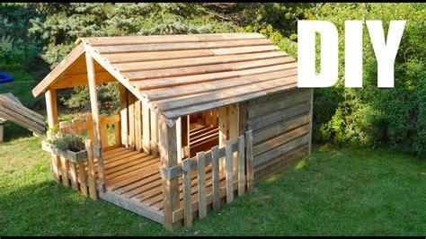 kinder gartenhaus holz spielhaus gartenhaus f 252 r kinder selber bauen aus paletten anleitung