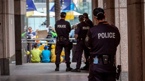 australian federal police raids australian workers union