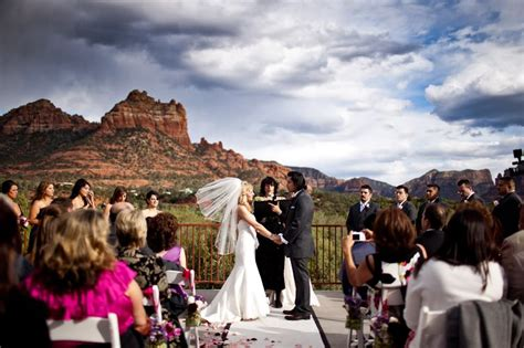 weddings in sedona l auberge de sedona wedding inaweweddings