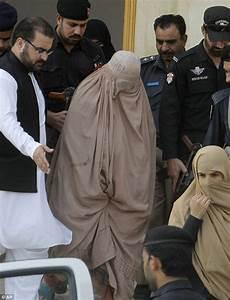 National Geographic green-eyed 'Afghan girl' Sharbat Gula ...