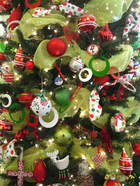 how to decorate a tree with mesh ribbon the templeton s officially obsessed