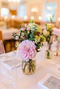Blumen Lange Blütezeit : die besten 25 lange tischdekoration ideen auf pinterest ~ Michelbontemps.com Haus und Dekorationen