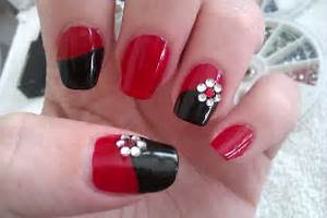 Flower nail art tutorial and pictures