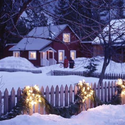 Weihnachtsdeko Gartenzaun festliche gartenbeleuchtung zu weihnachten