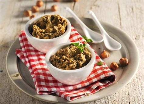 Crema Vegana Di Olive Con Pomodori Secchi