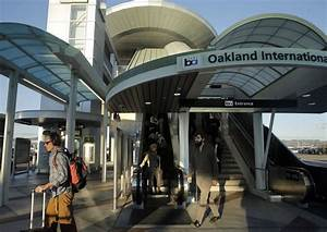 Oakland Airport security officer charged with smuggling ...