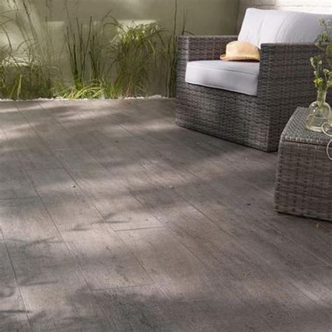 carrelage exterieur clipsable castorama carrelage ext 233 rieur bosko anthracite 20 x 120 cm castorama terrasse et jardin