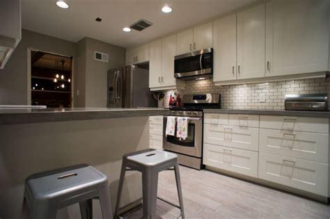 renovation cuisine laval strohý styl v bílé nenaruší ani obklad do kuchyně