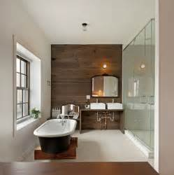 wandpaneele badezimmer wood plank accent wall contemporary bathroom anthony tahlier photography