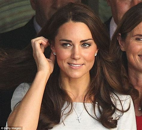 kate middleton s earrings duchess of cambridge kate middleton dazzles in 1 900 gold