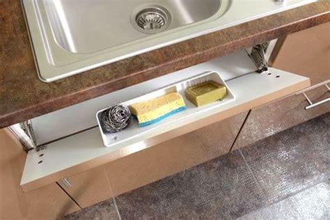 ranger la cuisine ranger la cuisine astuces et produits malins éviers tiroir et fausse