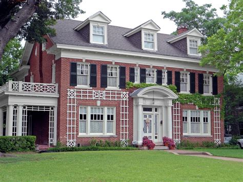 colonial homes colonial revival house styles federal style house